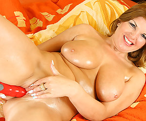 horny big breast chubby MIlf
