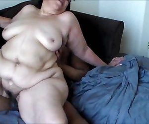 hot and fat mature - needs her holes stuffed_480p