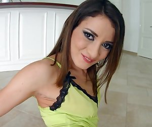 Asstraffic Hard anal sex of brunette hottie