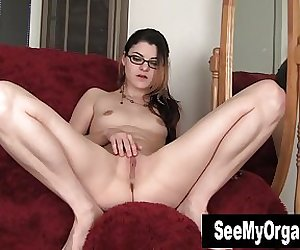 Geeky Lux Toying Her Twat