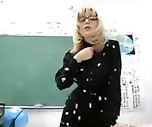 Hot Busty Blonde Teacher On Live Show