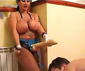WOMEN BIG TITS FUCK A MAN