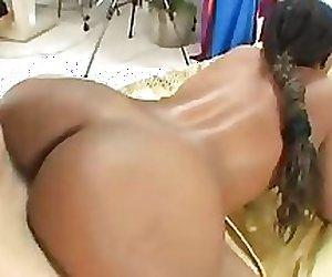 Black Hottie Take White Cock