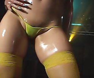 Micro Bikini Oily Dance 1 - 01 Mei Wakatsuki
