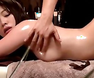 Super horny japan girl fuck during oily massage