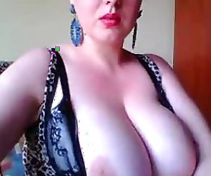 girl big tits and big pussy!!!