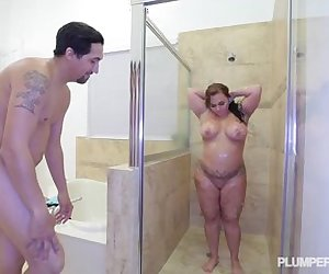sexy short stack Betty Bang XXX In The Shower