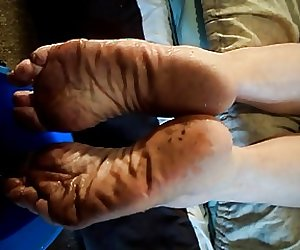 Pissing on Reida's wrinkled Snotty Filthy Funky Soles