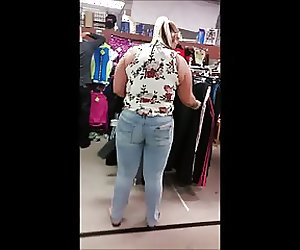 Candid bbw fat ass tattooed blonde jeans