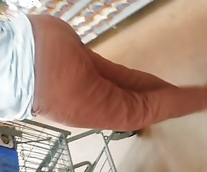 Candid Ebony milf shopping