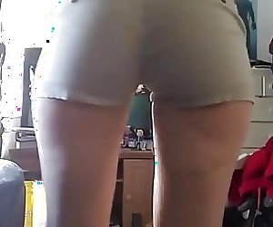 juicy ass in tight shorts