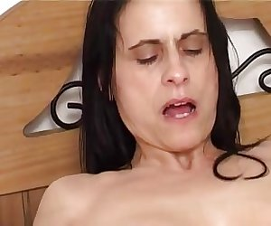ANNAP MILF PORN STAR ESCORT SUCKS AND FUCKS HORNY CLIENT !