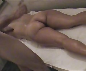 LINDA MASSAGE AND SUCK BIG COCK