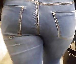 BBW's round ass