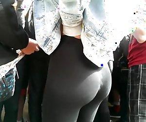 voyuer tight leggings